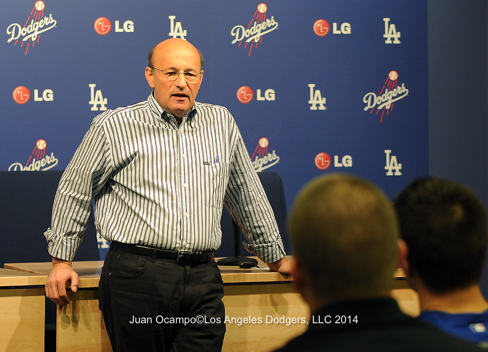 Dodger president and CEO Stan Kasten addressing participants at the Dodgers' Winter Development Program in January.